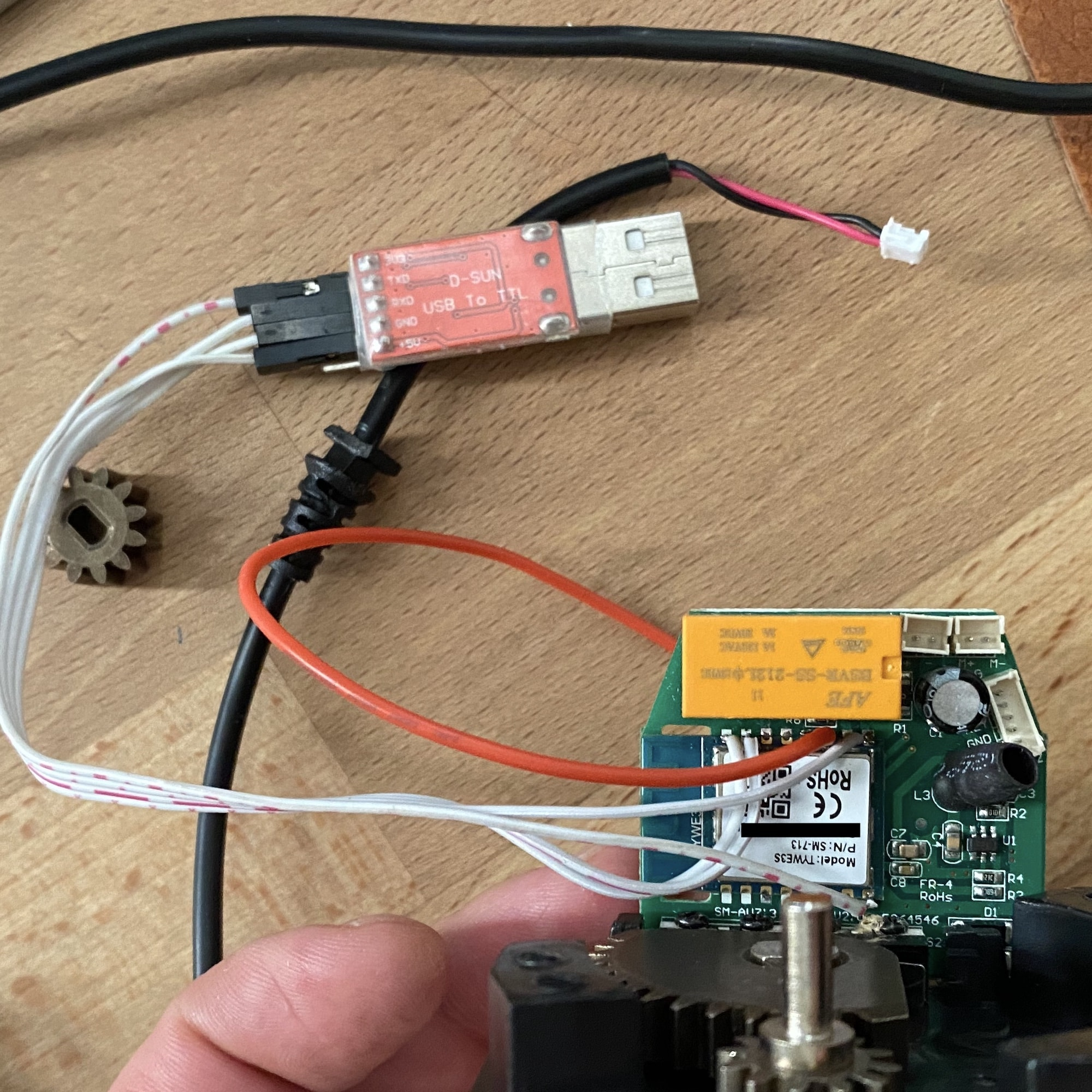 USB to serial UART module connected to the Tuya SM-AW713 valve